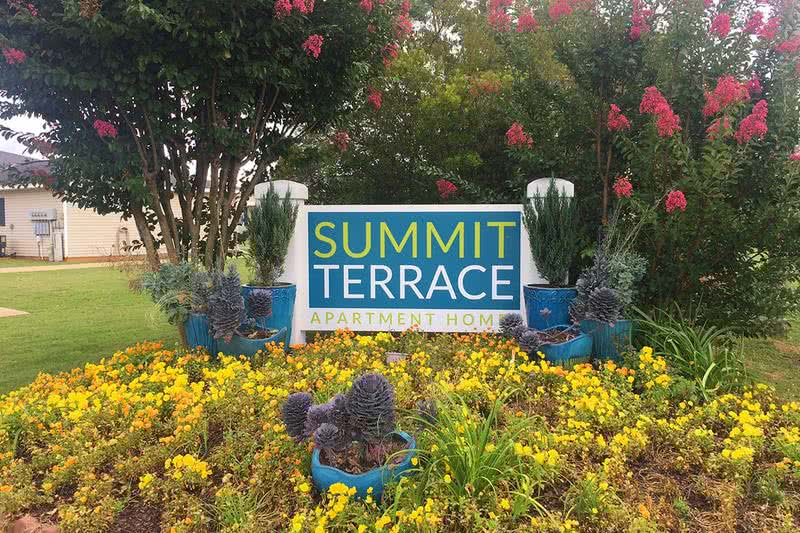 Summit Terrace Apartments | Welcome home to Summit Terrace Apartments... the preferred community in Prattville!