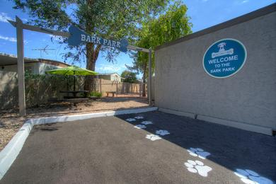 Dog Park | Beacon at 601 is a pet friendly community featuring an off-leash dog park!