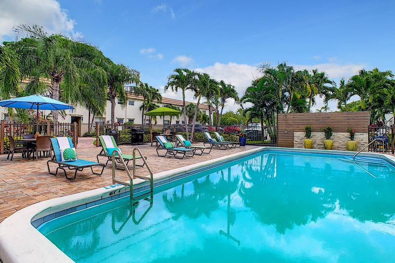 Boca Winds | Boca Raton, Florida Apartments