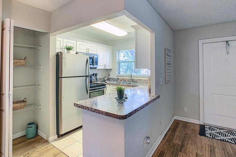 Kitchen | Kitchens with stainless steel appliances are available to rent.