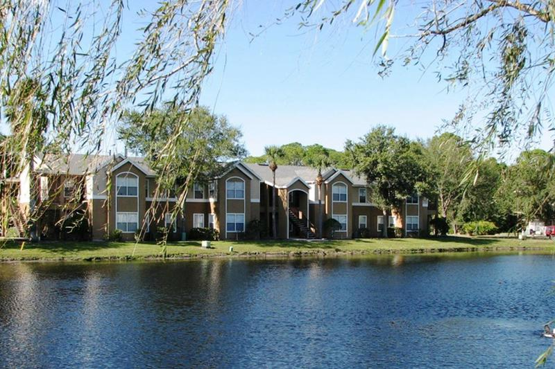 Welcome Home to Eden Pointe | Enjoy beautiful lakeside living at Eden Pointe apartments in Bradenton!