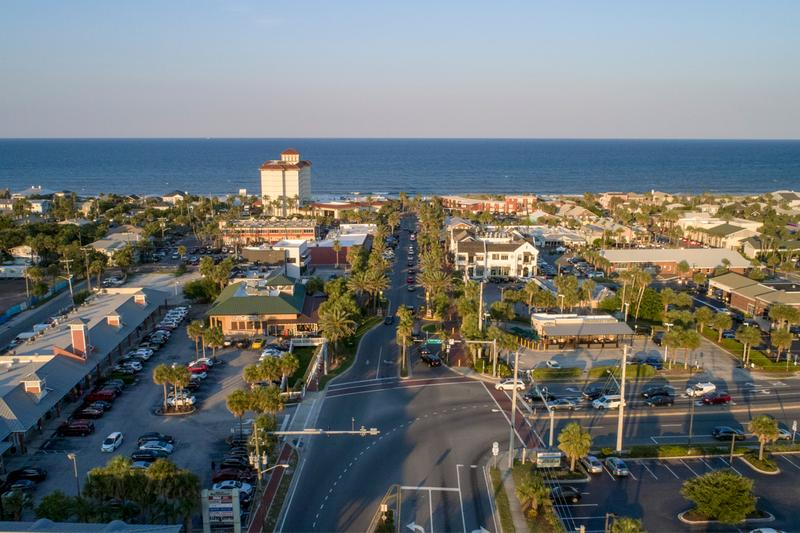 Beaches Town Center | Beaches Town Center is the heart of Neptune Beach and Atlantic Beach, where Atlantic Boulevard meets the ocean- and only minutes from Banyan Bay!