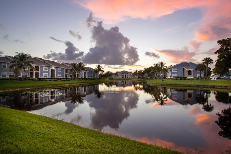 The View at Waters Edge | Lantana, Florida Apartments