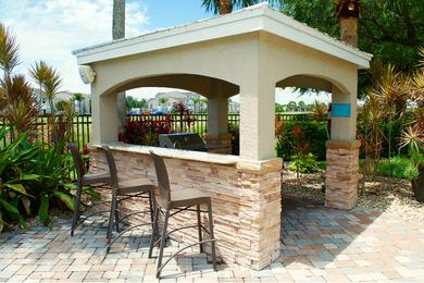 BBQ/Picnic Area | Take advantage of using our poolside grill and have a picnic with friends.