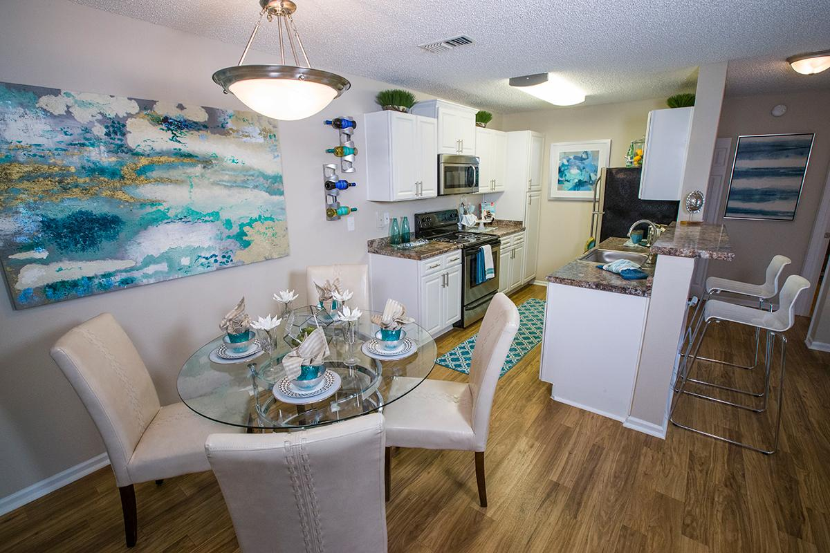 Melbourne, FL Apartments for Rent | Grand Oaks at the Lake