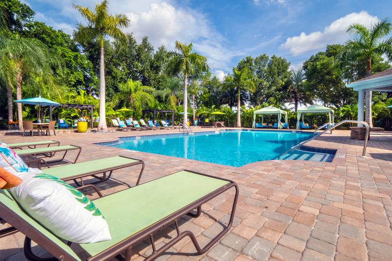 Meadow Lakes | Naples, Florida Apartments