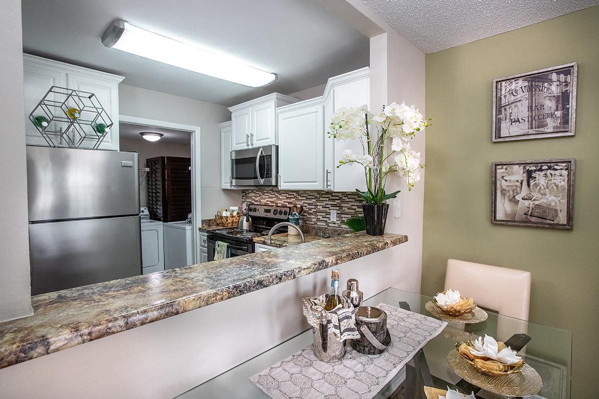 Naples Fl Apartment Rentals River Reach Apartments In Naples Fl