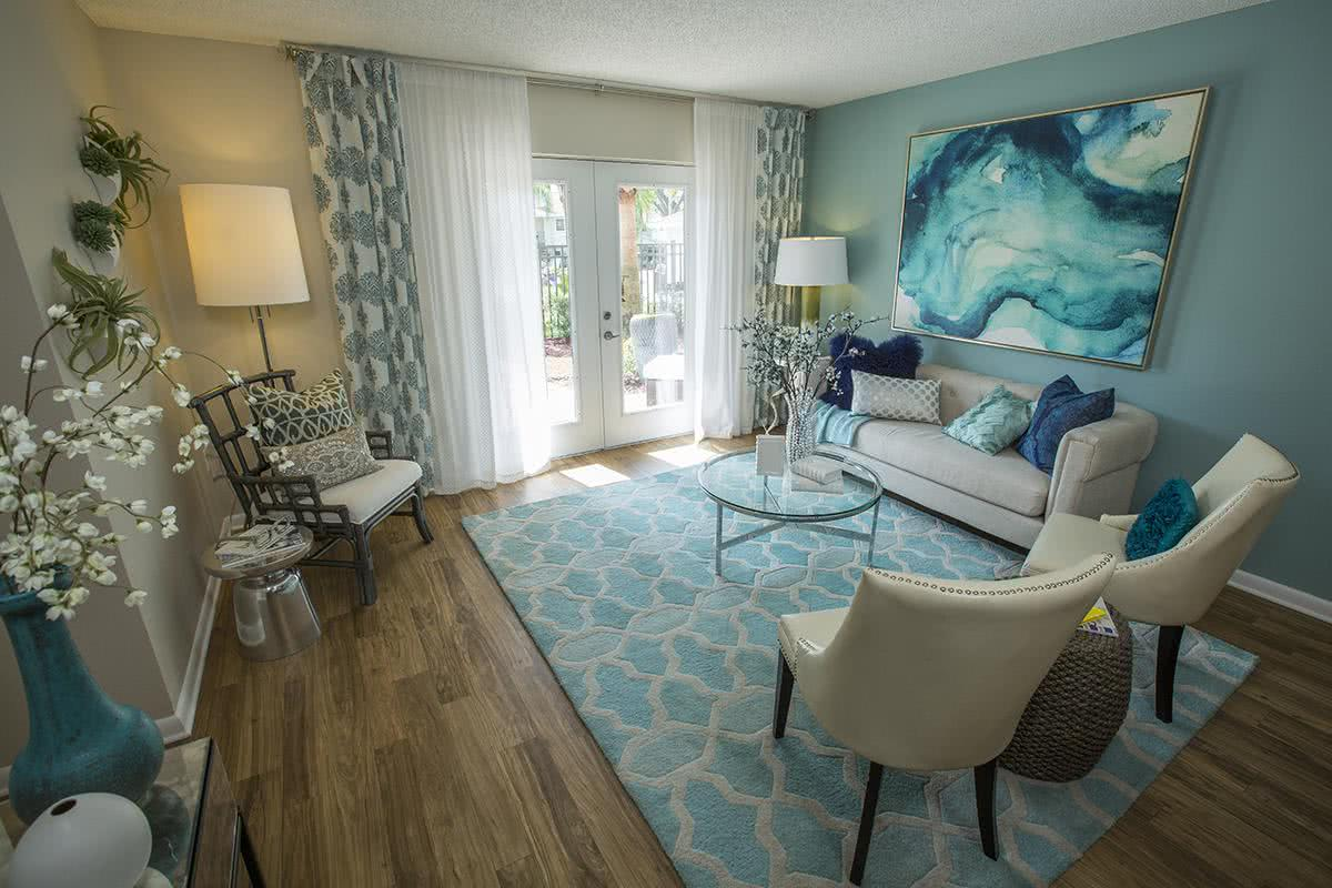 one bedroom and two bedroom apartment floor plans  The convenient  location of The Bentley at Maitland is close to everything you desire in  the Orlando. The Bentley at Maitland   Apartments for Rent in Orlando  FL