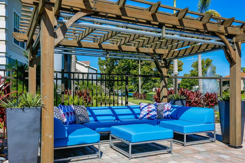 Pergola | Relax next to the pool under the pergola and enjoy beautiful lake views.