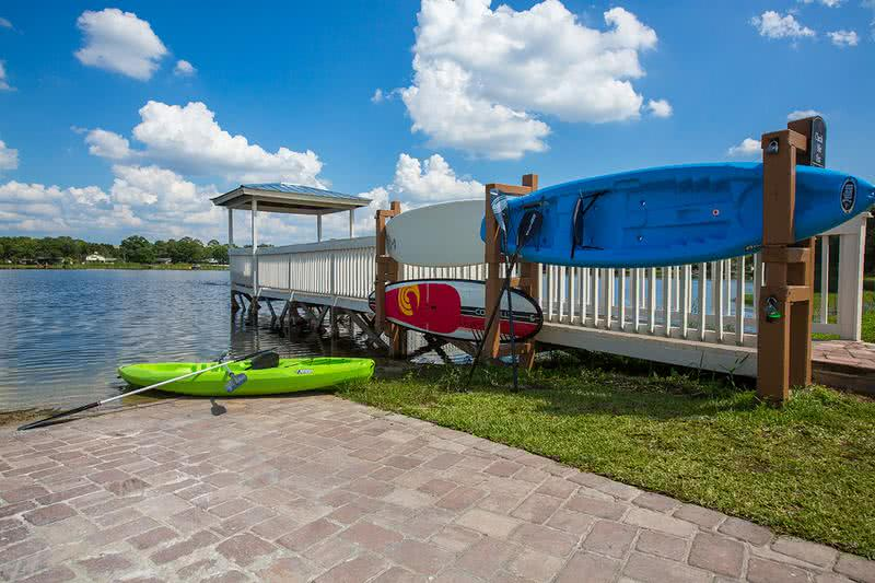 Complimentary Kayak/Paddleboards | Residents can utilize our complimentary kayak and paddleboards.