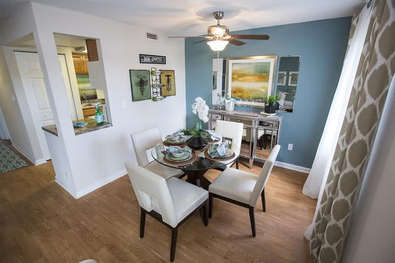 Dining Room | Beautiful dining area that is perfect for dinner parties. (Regatta)