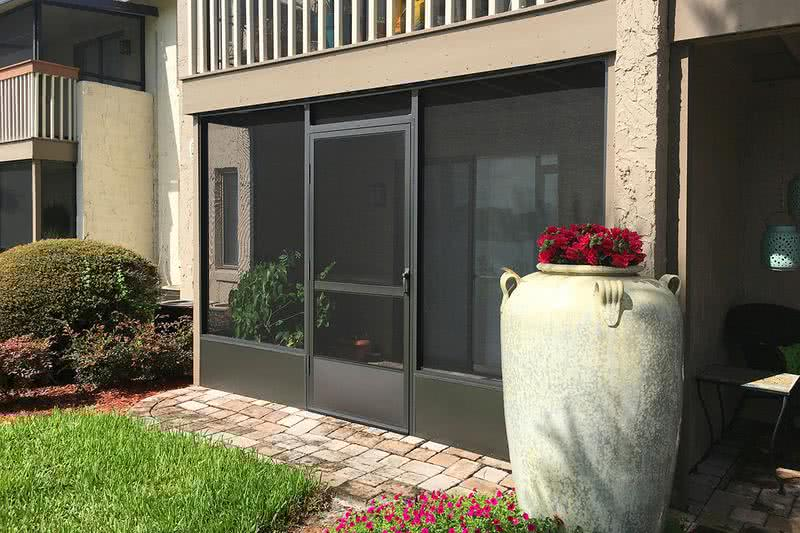 Patio/Balcony | Your new apartment home is complete with your own private screened-in patio or balcony.