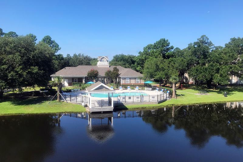Lakeside Living | Enjoy beautiful lakeside living when you choose Eagle's Pointe apartment as your home.