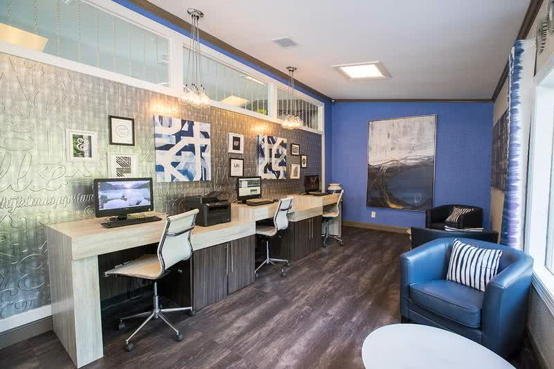 Business Center | Catch up on some work or just surf the web in our newly renovated business center.