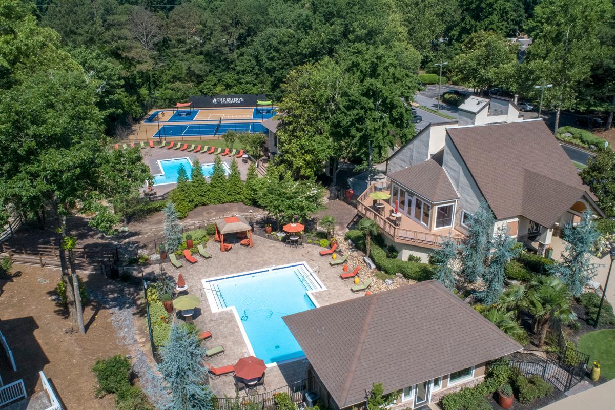 3 Bedroom Apartments In Atlanta Ga Luxury Apartments In Sandy Springs Ga Reserve At Ridgewood