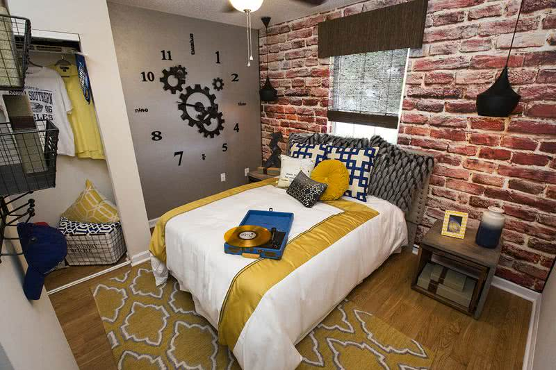 4x2 Bedroom | Don't just be another brick in the wall. Customize your lifestyle.