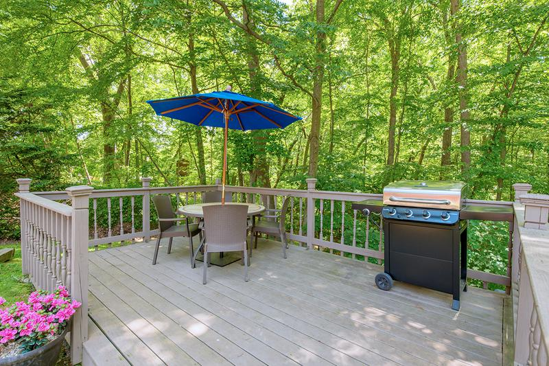 Picnic Area | Have a cookout on our picnic deck featuring a gas grill.
