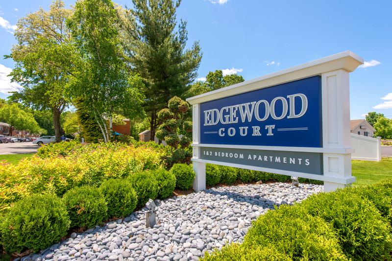 Edgewood Court | Chicopee, Massachusetts Apartments