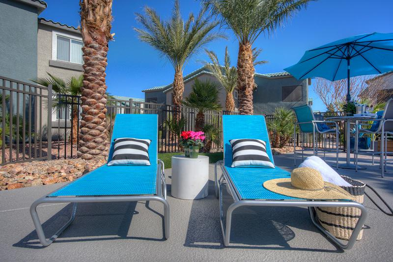 Poolside Loungers | Lay on on one of our many poolside loungers.