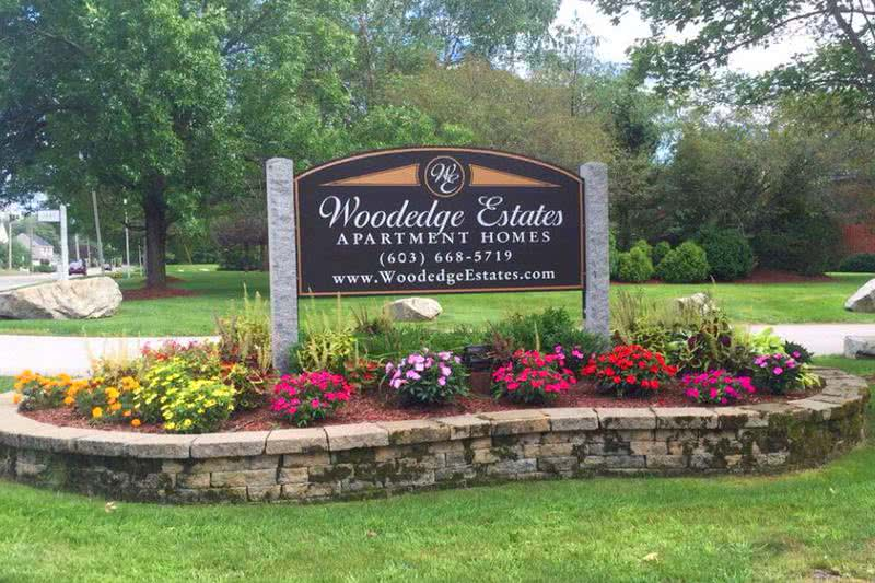 Front Entrance Sign | Welcome to Woodedge Estates