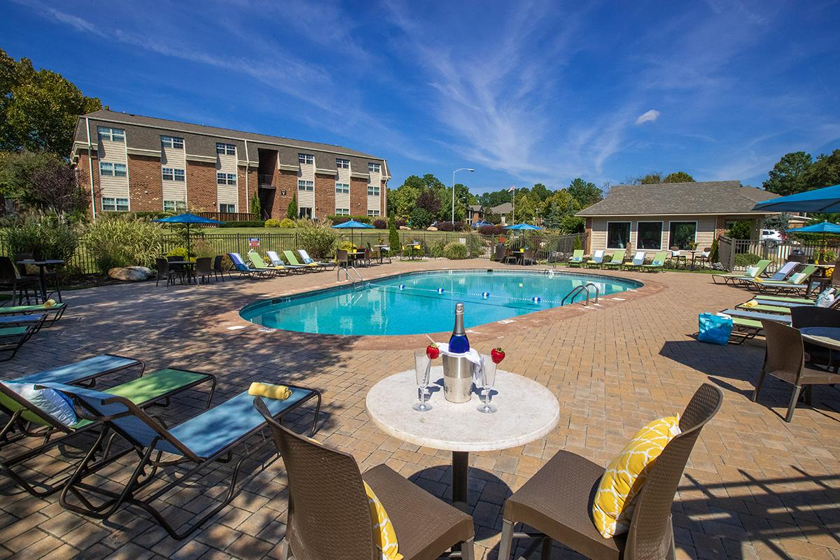 Carrboro NC Apartments | Collins Crossing Apartments in