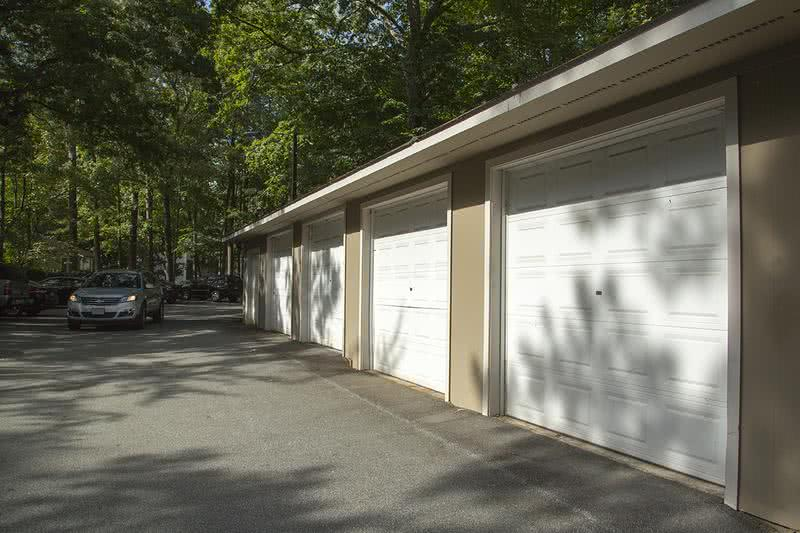 Detached Garages | Ashford Lakes has several buildings on the community with detached garage and storage spaces available for residents to rent.