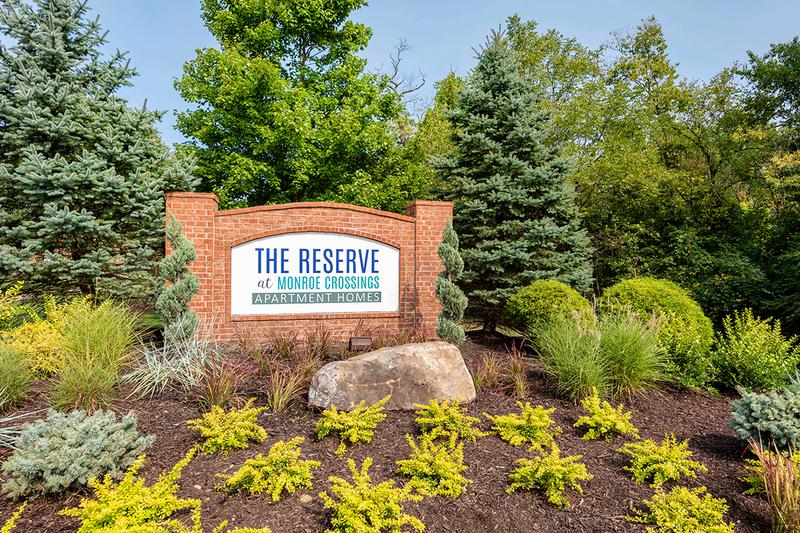 Welcome to The Reserve at Monroe Crossings | Offering 1, 2 and 3 bedroom apartments and townhomes in Monroe, OH.