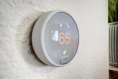Nest Thermostat | Energy efficient Nest thermostat available in all apartment homes.