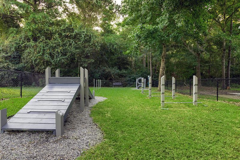 Bark Park | Onyx Luxury Apartments offers pet friendly apartments in Bluffton with an off-leash dog park!