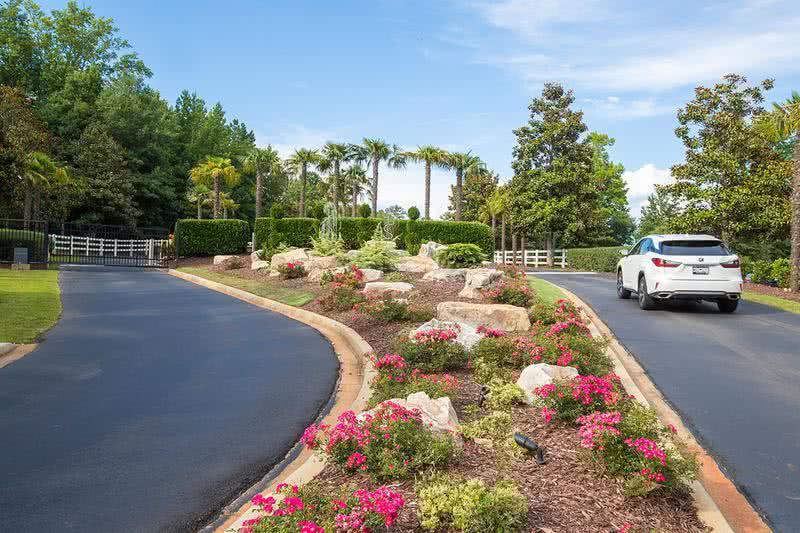 Gated Community | River Bluff of Lexington is a gated community.