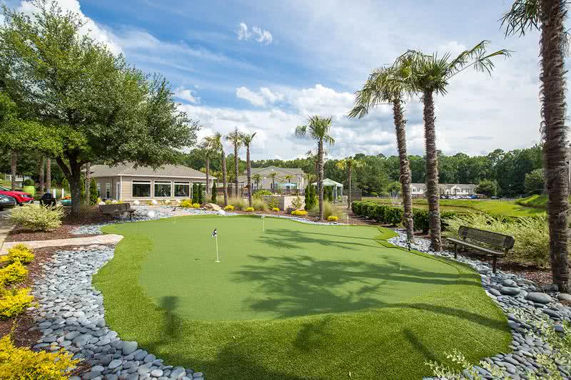 Putting Green | Practice your putt on our on-site putting green.