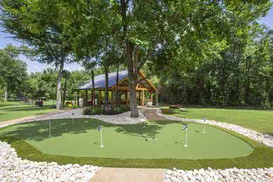 Putting Green | Practice your putt at our putting green.