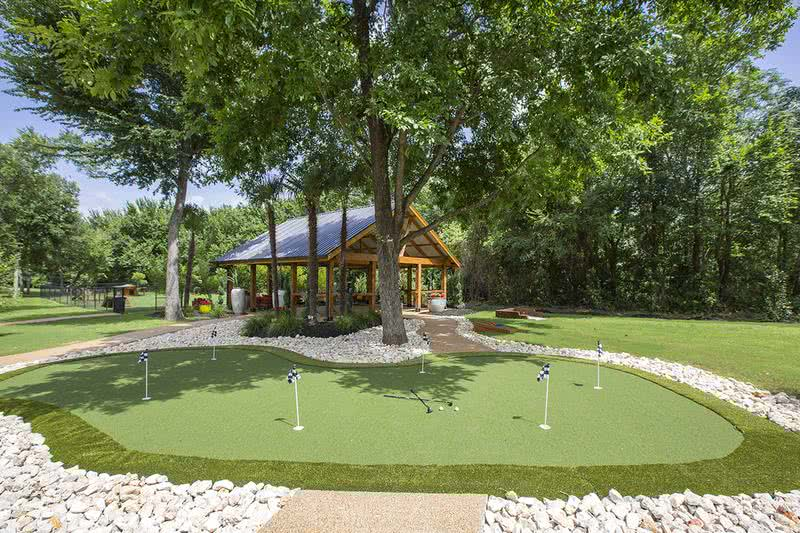 Putting Green | Practice your puts at our on-site putting green.
